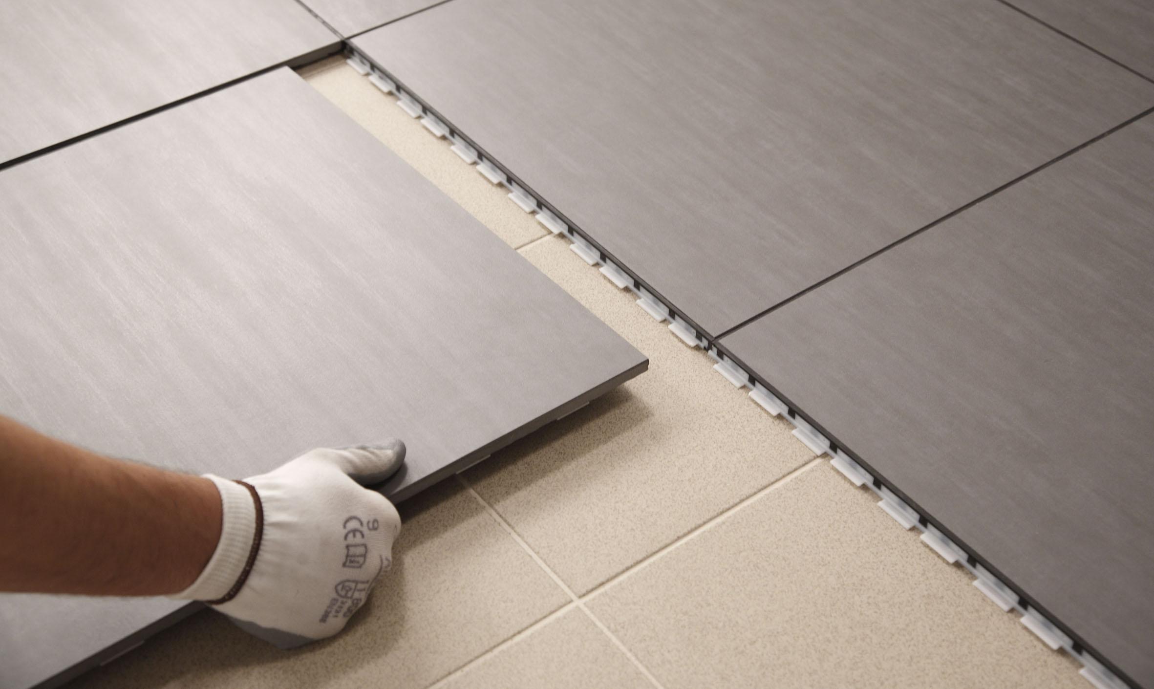 Piastrelle linoleum - Tagliare piastrelle gres con flessibile ...